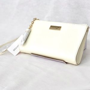 NWT🎁 Brahmin Millie White Leather Wristlet